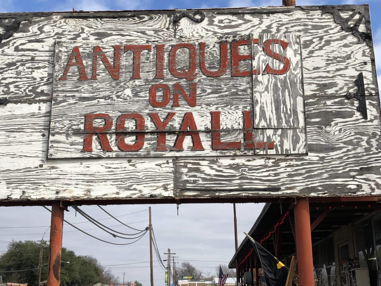 Antiques on Royal in Malakoff