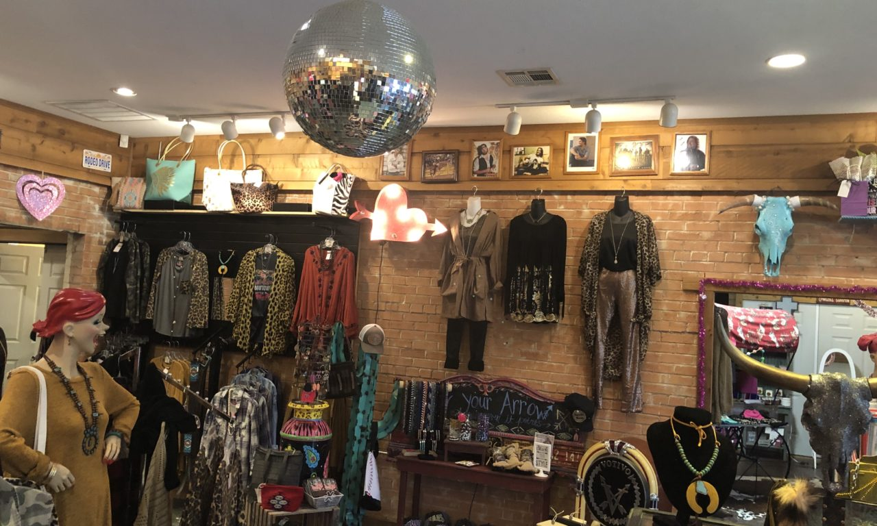 3 Incredible places to be shopping local with in Cedar Creek Lake 6 wild horse 3 CedarCreekLake.Online