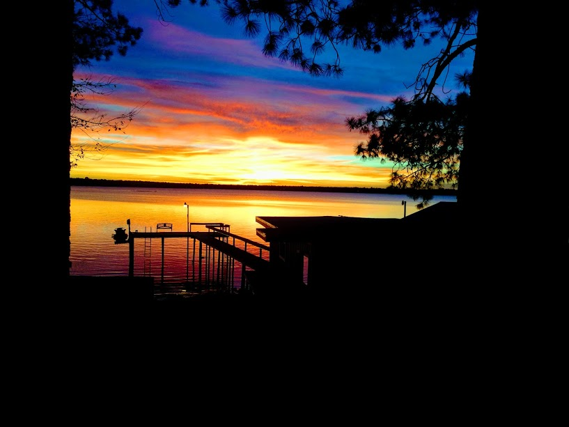 LeaderOne Financial Corporation March 2020 LakeLeader of the Month 2 cedar creek lakehouse sunset CedarCreekLake.Online
