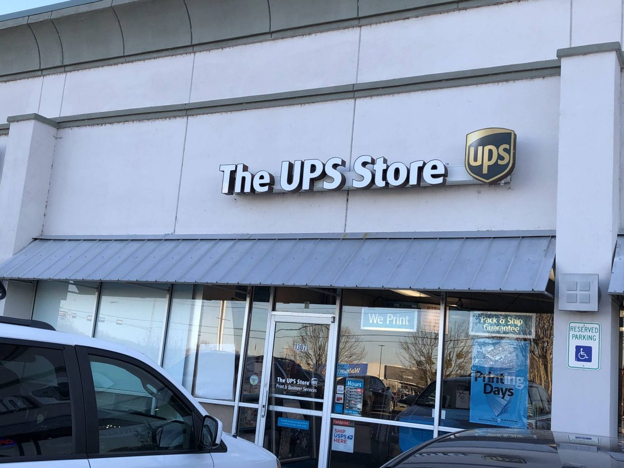 The UPS Store-Shipping, Printing & Business Services