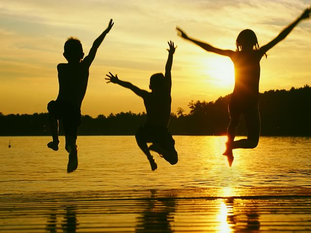 Today, A New Cedar Creek Lake Life Blog is Born 1 kids jumping off of dock