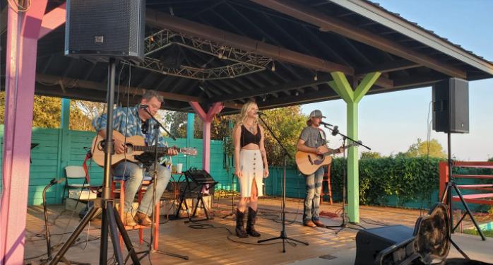 Brooklyn Rhea and Daniel trio Live Tonight at Vernon's Lakeside