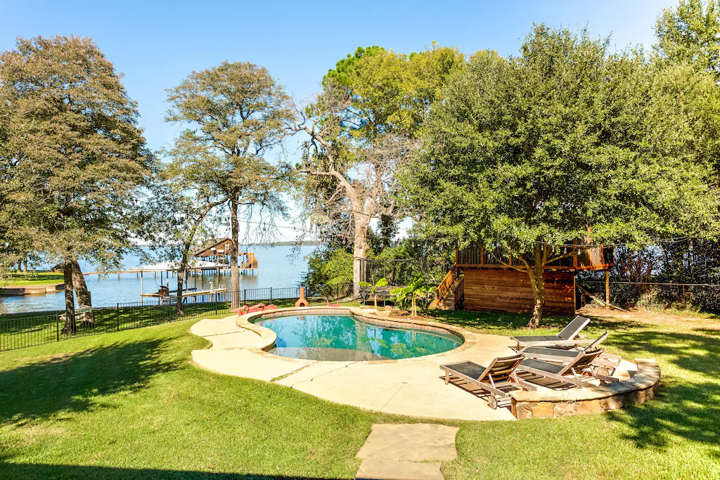 3 Amazing Cedar Creek Lake Cabins for Rent 13 98429be6.f10 CedarCreekLake.Online