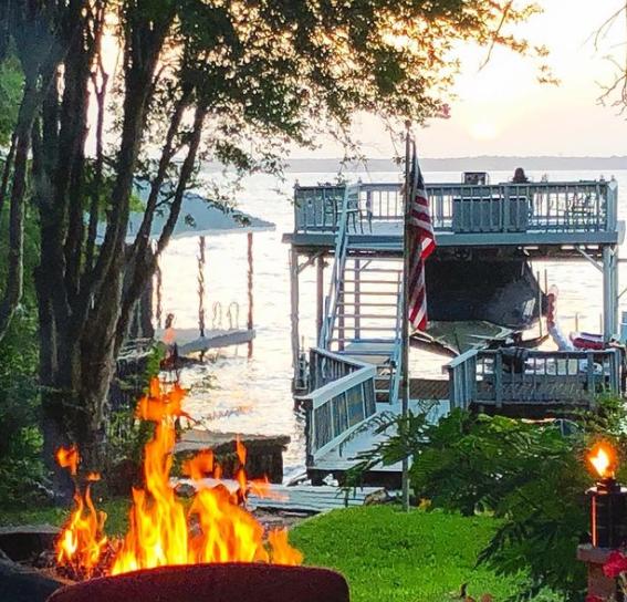 Weekending Year Round at a Cedar Creek Lake VRBO 1 10 1 CedarCreekLake.Online