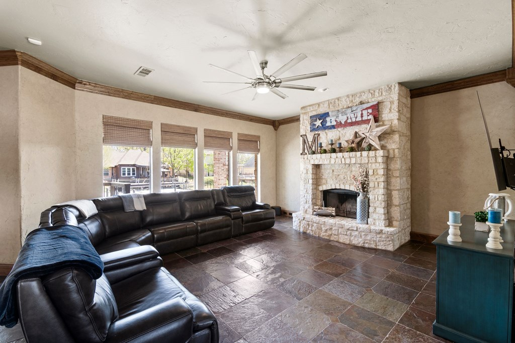 151 Pinehurst Drive MABANK, TX 75156