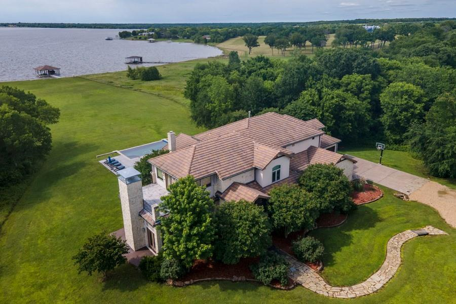 107 Sun Valley Mabank, TX 75147