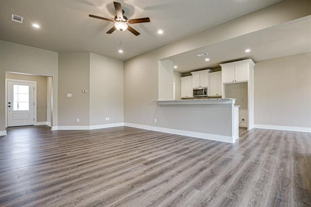 2010 Clay St, Mabank, TX 75147